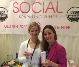 Social Sparkling Wine's Courtney Criezis (left) and Leah Caplanis at ECRM's On-Premise Adult Beverage EPPS